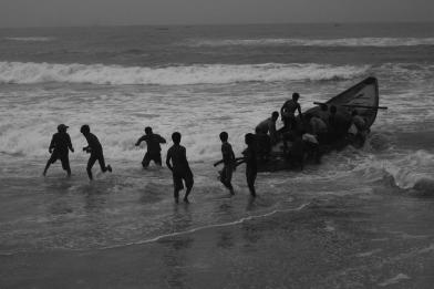 pescatori che salpano all'alba da Puri (photo David Valente)